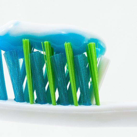 cepillarte los dientes